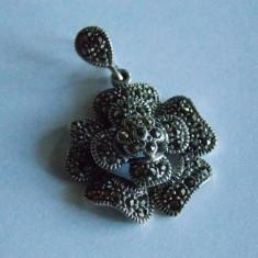 Pandant de argint floare cu marcasite -372