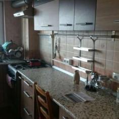 Inchiriez apartament 3 camere - Apartament de inchiriat, 85 mp, Numar camere: 3, An constructie: 1984, Etajul 4