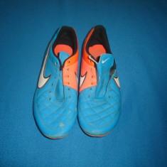 GHETE DE FOTBAL NIKE TIEMPO ORIGINALE - Ghete fotbal Nike, Marime: 41, Culoare: Din imagine, Iarba: 1