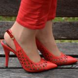 Sanda tip pantof decupat in spate si varf ascutit, nuanta rosie (Culoare: ROSU, Marime: 39)