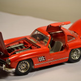 Macheta Mercedes Benz, Sl 300, 1/18 Bburago
