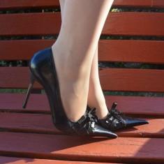 Pantof clasic din piele, negru, cu varf ascutit si decor de funda (Culoare: NEGRU, Marime: 38) - Pantof dama