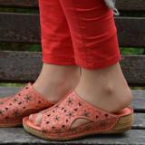Papuc de vara din piele moale, corai, cu model floral imprimat (Culoare: CORAI, Marime: 39) - Papuci dama