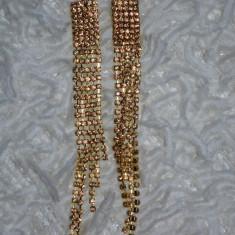 Cercei rosii, aurii de ocazie, model lung, cu fixare cu surub in spate (Culoare: ROSU INCHIS) - Cercei Fashion