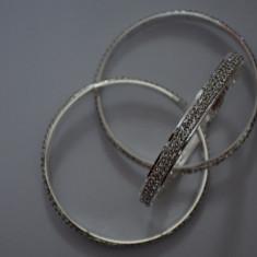 Bratara fashion cu design deosebit, format din trei piese argintii (Culoare: ARGINTIU) - Bratara din margele