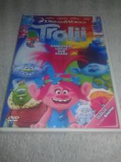TROLII ( Trolls ) - DVD Desene Animate Dublat in Limba Romana foto
