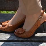 Sanda confortabila din piele naturala maro, cu talpa ortopedica (Culoare: MARO, Marime: 40)