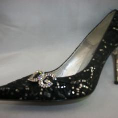 Pantof deosebit, nuanta de negru, detaliu argintiu fin (Culoare: NEGRU, Marime: 38) - Pantof dama