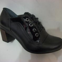 Pantof la moda, nuanta de negru, piele lacuita in fata (Culoare: NEGRU, Marime: 40)