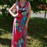 Rochie simpla cu imprimeu multicolor pe fond roz, decolteu mic (Culoare: ROZ, Marime: 48) - Rochie de zi, Fara maneca, Vascoza