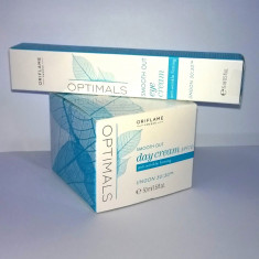Cremă de zi FPS 10 si cremă pt conturul ochilor Optimals Smooth Out (Oriflame) - Crema antirid