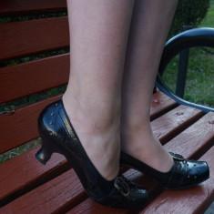 Pantof clasic, nuanta de negru, toc jos deosebit (Culoare: NEGRU, Marime: 38) - Pantof dama
