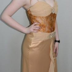 Rochie aniversara deosebita, nuanta de maro, dantela (Culoare: MARO, Marime: 40)