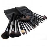 Set 24 pensule machiaj par natural Megaga - Make up profesional