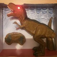Jucarie Dinozaur Tyrannosaurus cu teleomanda - Vehicul