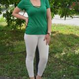Tricou simplu cu snur din saten la decolteu, nuanta verde deschis (Culoare: VERDE, Marime: 44) - Bluza dama