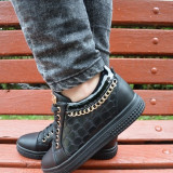 Pantof sport cu siret, de nuanta neagra cu decor de lant auriu (Culoare: NEGRU, Marime: 37) - Pantofi barbat