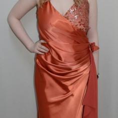 Rochie in tendinte, nuanta de caramiziu, design de paiete (Culoare: CARAMIZIU, Marime: 42) - Rochie de seara