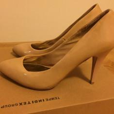 Pantofi de lac bej Zara - Pantof dama Zara, Marime: 37