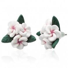 Cercei model floare albă realizați din material FIMO - Cercei fimo