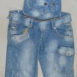 Blug comod, nuanta de albastru, design grafic aplicat (Culoare: ALBASTRU, Marime: 28) - Blugi dama