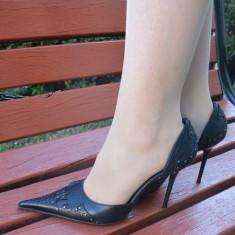 Pantof fashion, nuanta de negru, piele naturala, varf ascutit (Culoare: NEGRU, Marime: 39)