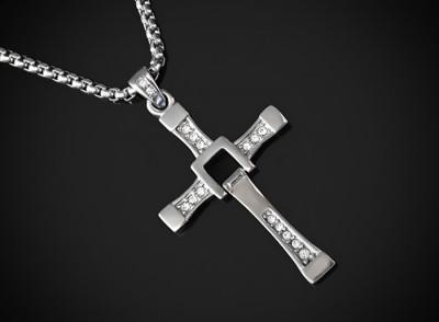 Pandantiv Cruciuliţă Dominic Toretto Vin Diesel Crucifix INOX - cod PND049 foto