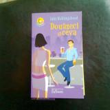 DOUAZECI SI CEVA - IAIN HOLLINGSHEAD