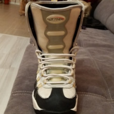 Buti boots oxigen snowboard barbati 42.5 - Boots snowboard