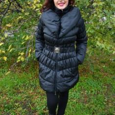 Jacheta neagra, aspect matlasat, inchidere cu fermoar fin (Culoare: NEGRU, Marime: XXL-44)