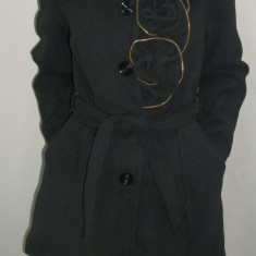 Palton deosebit, nuanta de negru, desing de trandafiri (Culoare: NEGRU, Marime: XXXL-46) - Palton dama