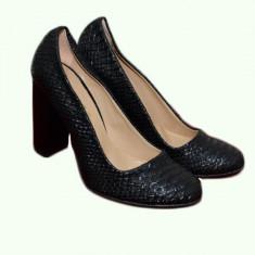 Pantof casual, rafinat, nuanta neagra, cu toc gros si varf rotund (Culoare: NEGRU, Marime: 35) - Pantof dama
