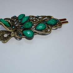 Agraf cu pietre fine, nuanta de mov si verde, suport auriu (Culoare: MOV) - Coronita