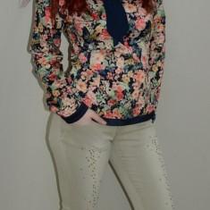 Jeans tineresc, nuanta de bej, cu strasuri aplicate, masuri mici (Culoare: BEJ, Marime: S-36)