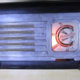 Un radio mic vechi f. rar cu pe lampi Moskvich anii 40 bachelita defect - Aparat radio