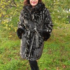 Jacheta din blanita fina, nuanta de gri, gluga rafinata atasata (Culoare: GRI, Marime: 50) - Jacheta dama