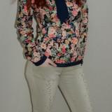 Jeans tineresc, nuanta de bej, cu strasuri aplicate, masuri mici (Culoare: BEJ, Marime: M-38)