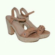 Sanda tinereasca maro, toc gros si platforma, design impletit (Culoare: MARO DESCHIS, Marime: 39) - Sandale dama