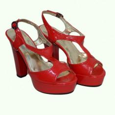 Sanda trendy, de culoare rosie, cu toc inalt si platforma groasa (Culoare: ROSU, Marime: 39) - Sandale dama