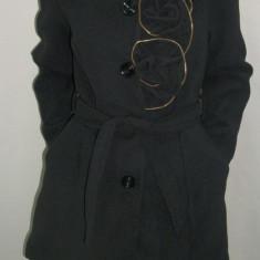 Palton deosebit, nuanta de negru, desing de trandafiri (Culoare: NEGRU, Marime: L-40) - Palton dama