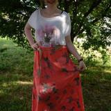 Fusta de vara, nuanta de corai, imprimeu cu motive florale (Culoare: CORAI, Marime: 48)