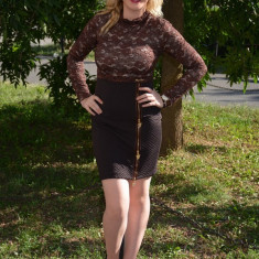 Rochie eleganta de culoare maro, cu maneca lunga din dantela (Culoare: MARO, Marime: 36) - Rochie ocazie, Maxi