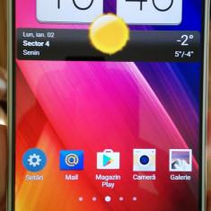 "LG G2, Ecran 5.2"", 2 GB RAM, Camera 13 MP - Telefon mobil LG G2, Alb, 16GB, Neblocat"