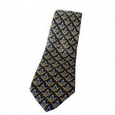 Cravata cu simboluri masonice galbene Cravata mason neagra