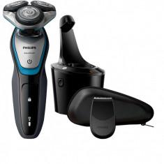 Aparat de ras Philips S5400/26, Lame Multiprecision, LED, Docking de curatare, Acumulator, 3 capete, Numar dispozitive taiere: 3