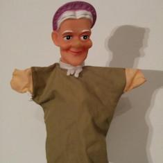 Marioneta papusa manuala teatru de papusi, cap cauciuc, corp textil, batrana - Jocuri arta si creatie