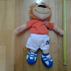 Fotbalistul Leu, Loecky, jucarie plus, 35 cm - Jucarii plus