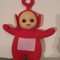 Jucarie plus Personaj Teletubbies, Po (rosu), 31cm cu antenuta cu tot - Jucarii plus
