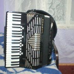 Vand acordeon hohner imperator V musette 120 basi si 21 de registre.