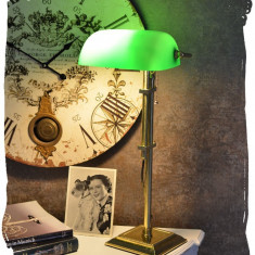 LAMPA BANKER DIN ALAMA MASIVA SI ABAJUR DIN STICLA VERDE XCL119